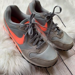 Nike • Size 8.5 Grey and Coral Sneakers